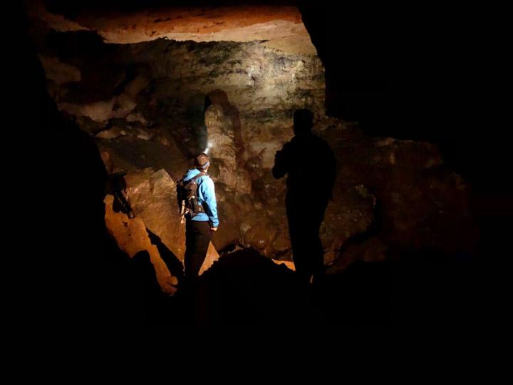 La estalagmita de El lléo de la Cova Gran de Els Avencs de La Febró