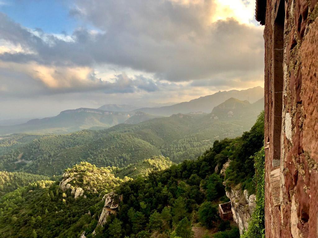 Vistas del exterior del Castell d'Escornalbou