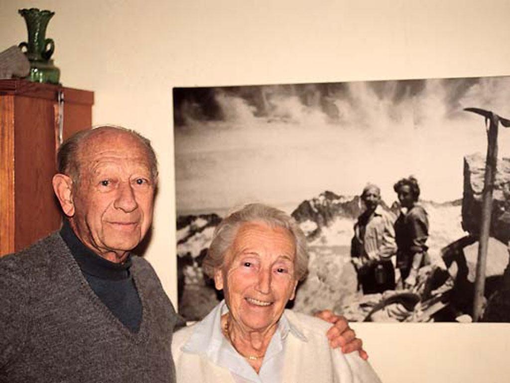 Foto de Juan Buyse y Anita Salden en el conocido como chalé del nazi de Siurana.