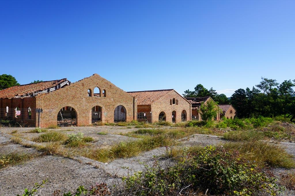Pabellones del Campamento Militar de Los Castillejos