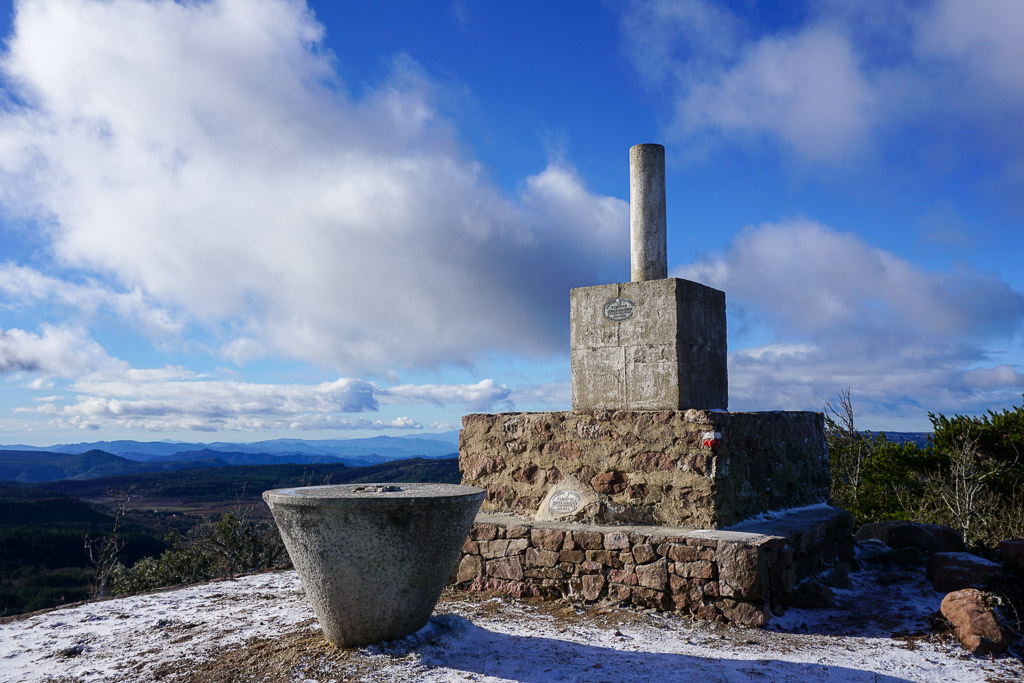 Tossal de la Baltasana con nieve