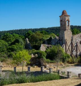 Balsa e iglesia de La Mussara