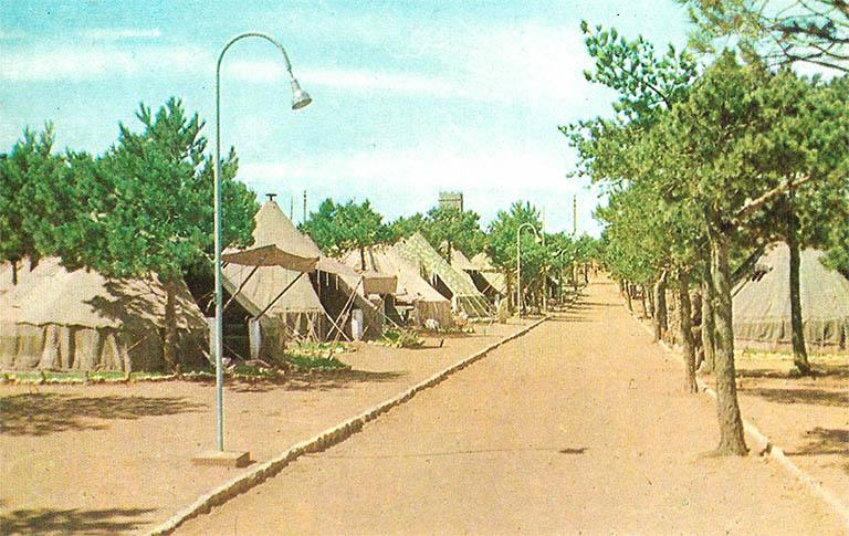 Las tiendas del Campamento Militar Los Castillejos