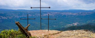 Les Tres Creus de la Mola d'Estat